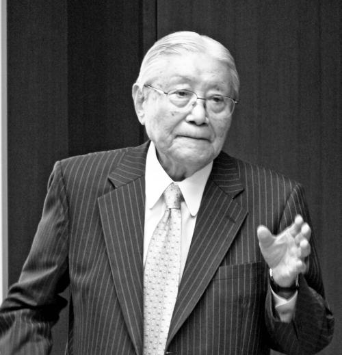 松下電器産業元社長の谷井昭雄氏が特別講師として登壇~第18期第5回
