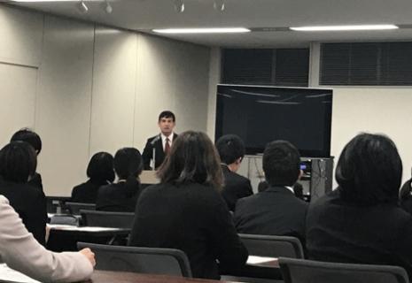 企業見学会 平山社員---hirayama170308.png